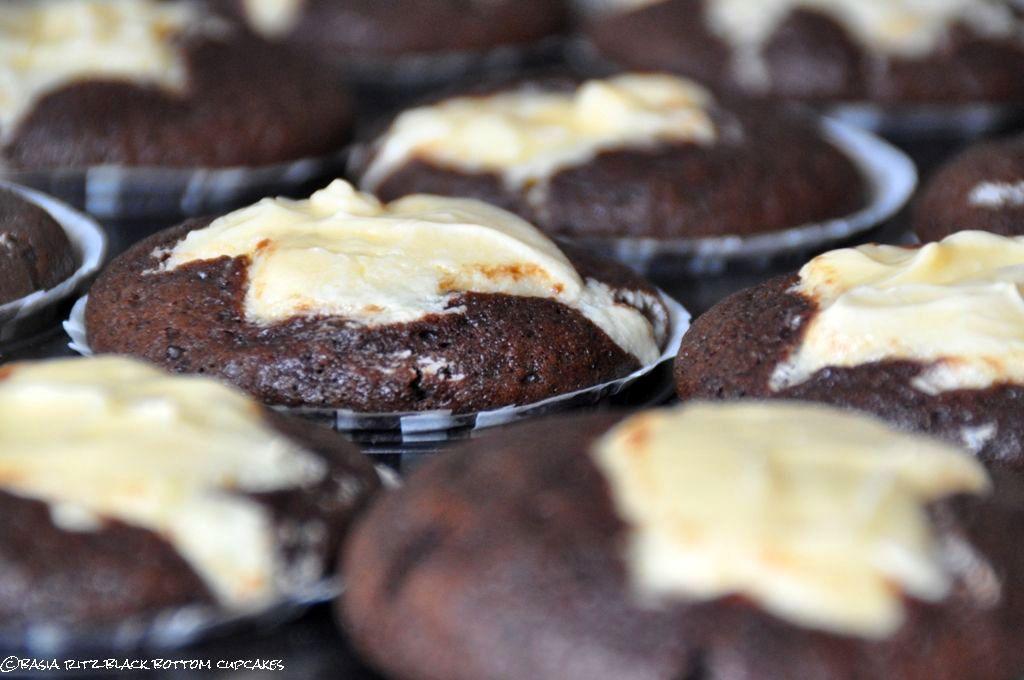 czekoladowe_muffiny_z_serkiem_01