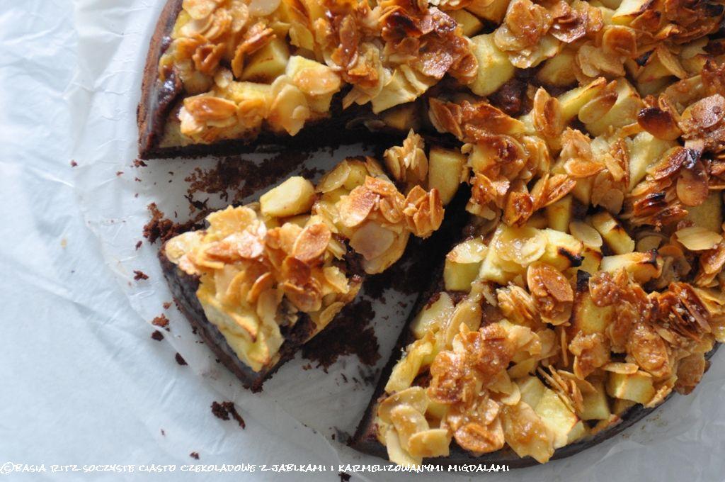 ciasto_czekoladowe_z_jablkamii