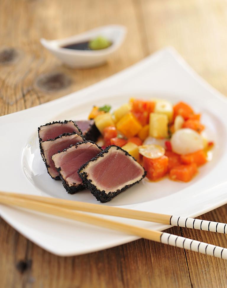 tunczyk w czarnym sezamie
