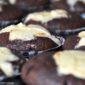 black bottom cupcakes czyli najlepsze na swiecie czekolado-muffinki z kremowym serkiem!
